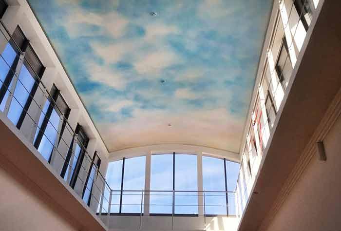 Illusionsmalerei Airbrush Wolkenhimmel Hotel Weißer Hase Passau